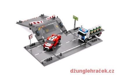 Lego 8198 Racers Havárie na rampě