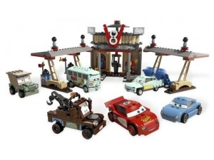 obrázek Lego 8487 Cars Kavárna Flo V8