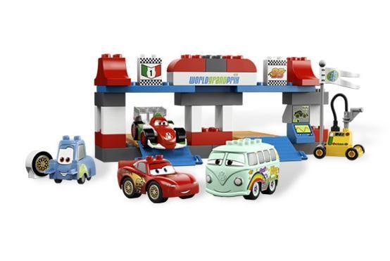 Lego 5829 Duplo Cars Zastávka v depu.