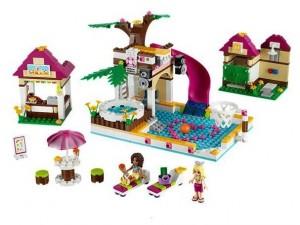 obrázek Lego 41008 Friends Plavecký bazén v Hearthlake