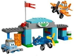 obrázek Lego 10511 Duplo Planes Skipperova letecká škola