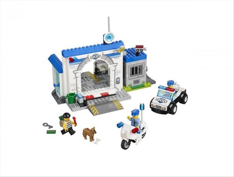 Lego 10675 Juniors Útěk z policejní cely
