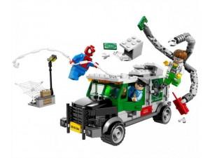 obrázek Lego 76015 Super Heroes Náklaďák Heist Doc Ocka