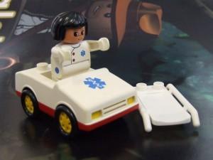 obrázek Lego Duplo Sanitka červená
