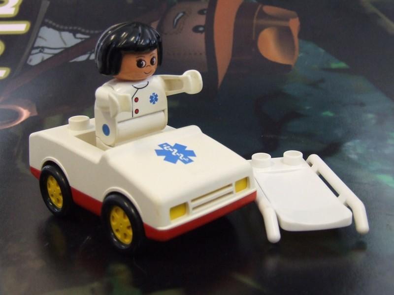 Lego Duplo Sanitka červená