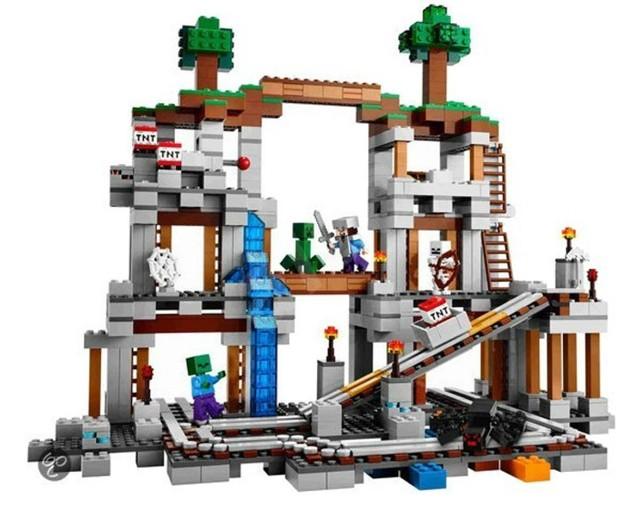 Lego 21118 Minecraft Důl
